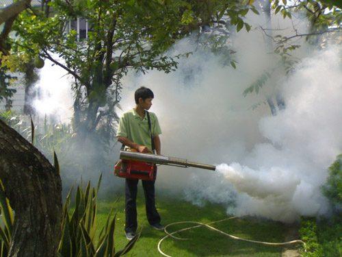 giá máy xịt khói diệt côn trùng